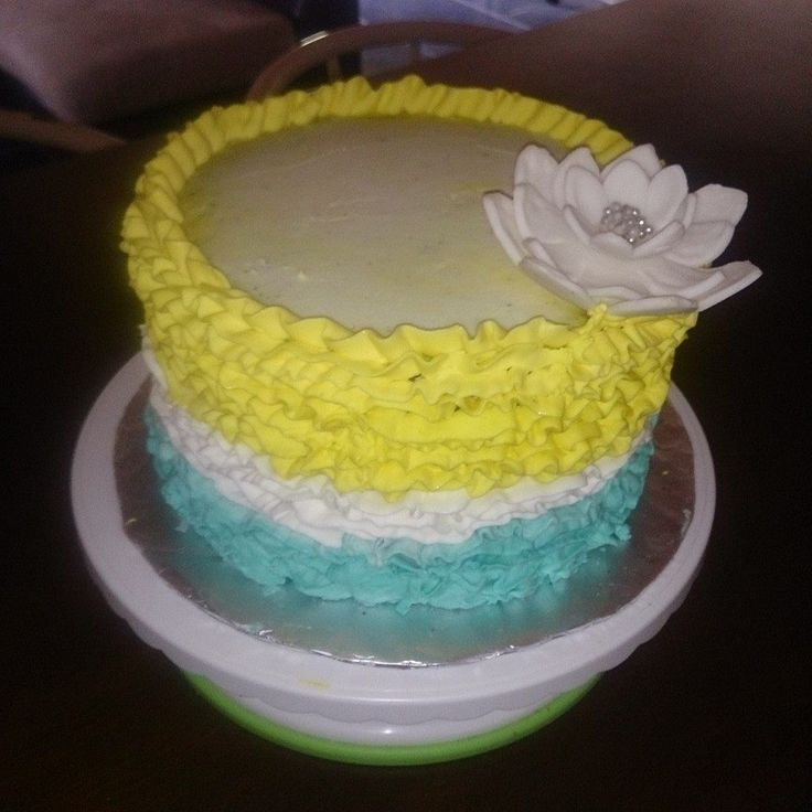 Buttercream Cake  Rufle  Yellow, White flower