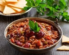 Chili con carne express : http://www.cuisineaz.com/recettes/chili-con-carne-express-10140.aspx