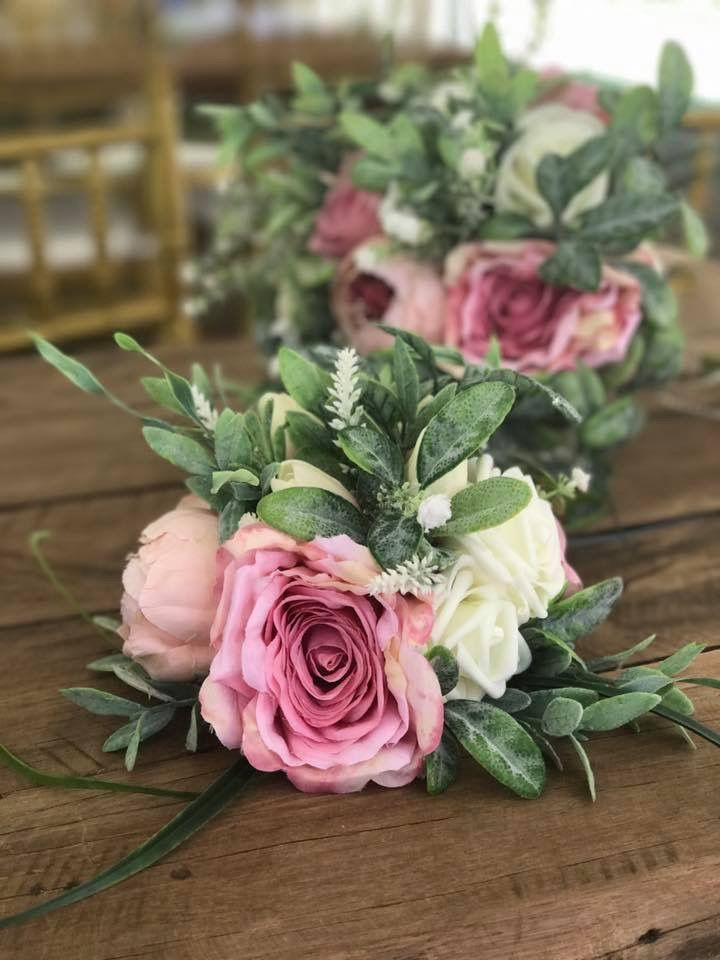 Artificial flower cake toppers