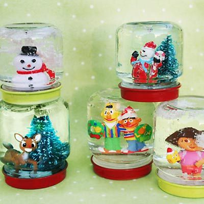 DIY Mimi Snow Globes Made From Recycled Baby Food Jars Or Reuse Larger To