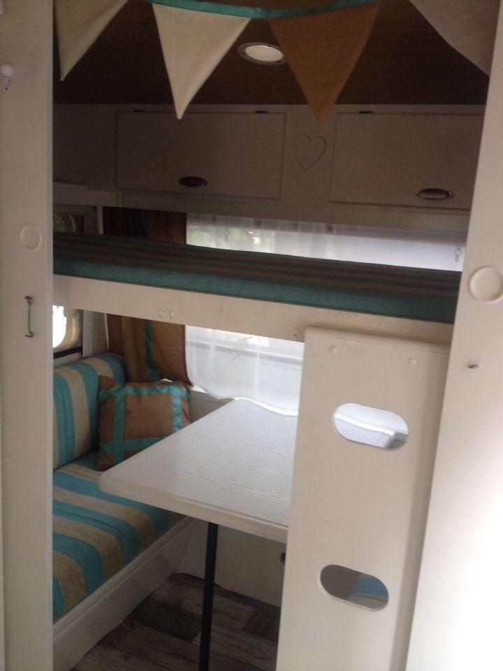 Stapelbed / zithoek | Caravan - Camper beds, Caravan bunks ...