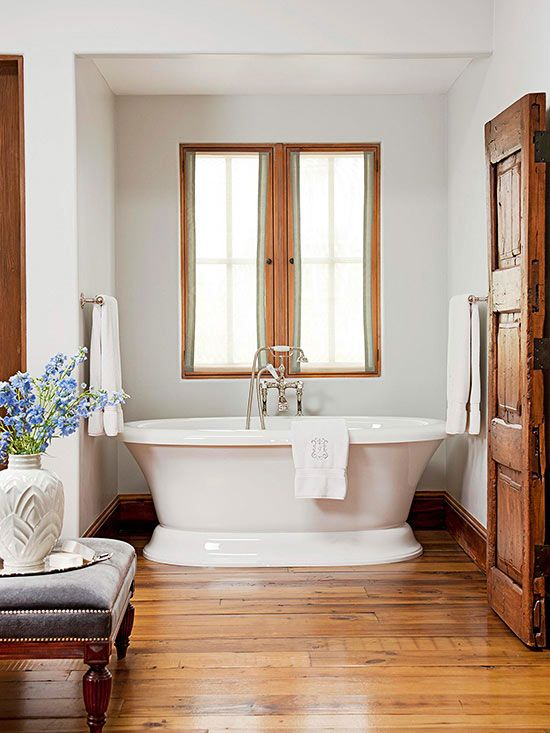 Freestanding tubs add classic style to your bathroom. Check out our favorite traditional bathtubs, with manufacturer information included.