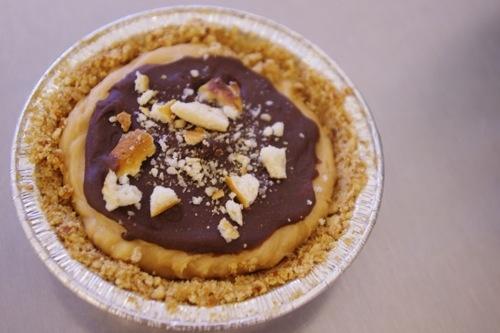 peanut butter pretzel pie! | Live to Eat | Pinterest