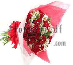 Resultado de imagen para arreglos florales de amor