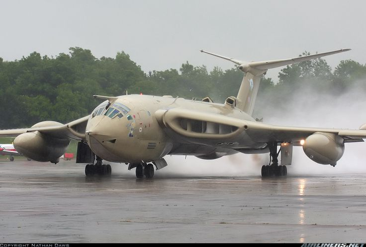 Handley Page HP-80 Victor K2 - UK - Air Force | Aviation Photo #1360859 | Airliners.net