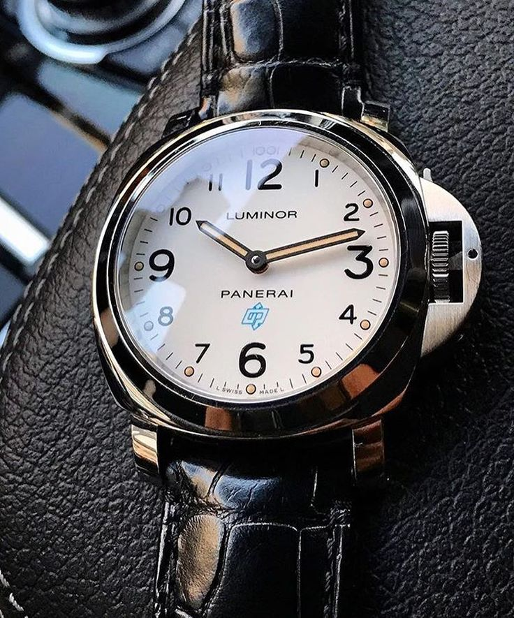 Are you a fan of the white dials like this base dial #Panerai PAM630? Pic by @fly_lpp #PaneraiCentral