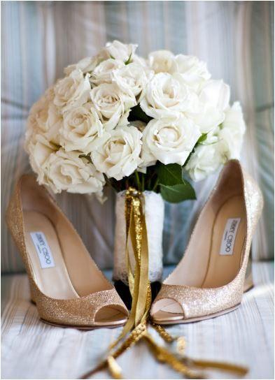 Ramo de rosas blancas. #ramo #ramonovia #ramootoño #ramoinvierno #bodaotoño #bodainvierno #novias