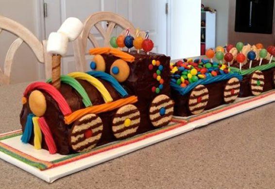 Pasteles en forma de tren