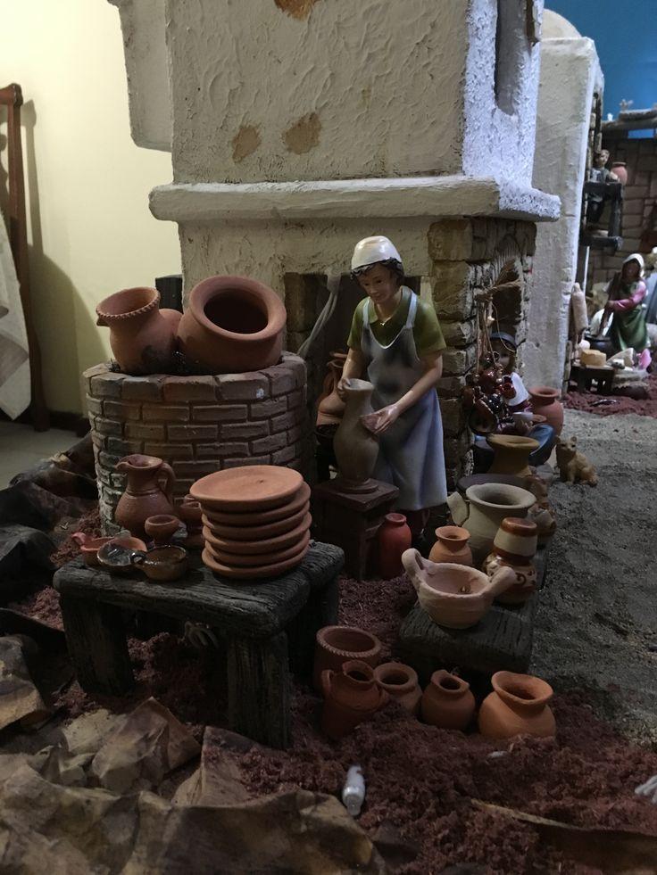 Puesto de trastos.  Nacimiento/Belén Gabriela Aranda 2015. Guadalajara, México