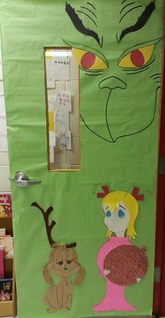 Classroom Christmas Door Decorating Contest | Christmas Door Board ~ The Grinch!