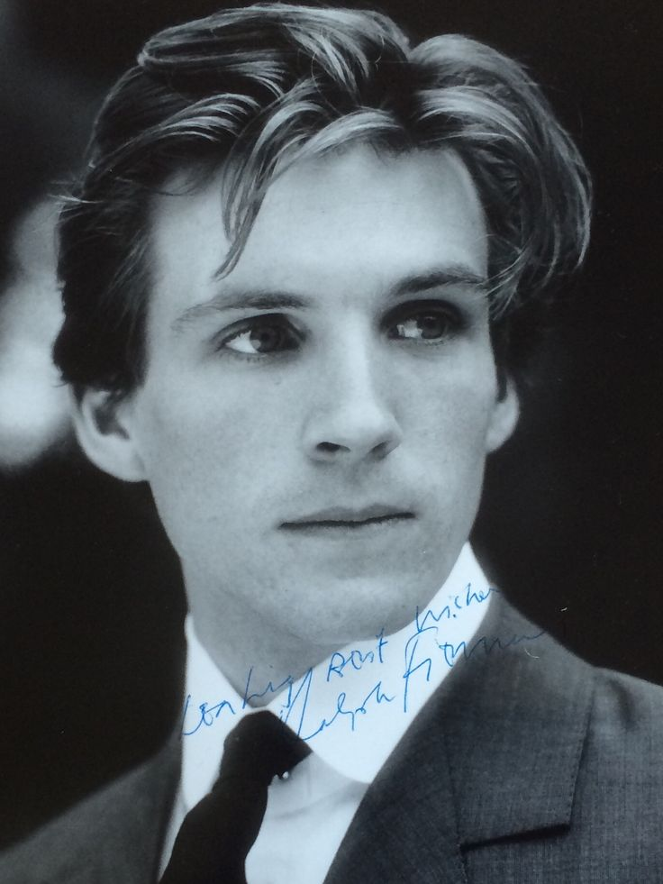 Ralph Fiennes as Romeo at Open Air Theatre 1986