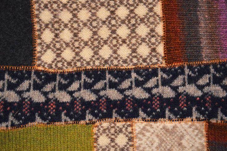 Kettukolossa: Villatilkkutunika/ A tunique made of wool quilts