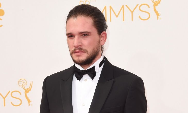 Another one from the super neat hair category, Harington is known for his tied back hair just as much as the wild look in Game of Thrones. Paired up with a tuxedo is pretty much the most elegant look you can achieve with this low slung man bun.