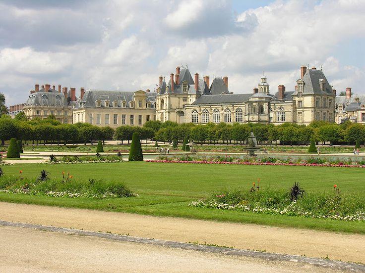TOP WORLD TRAVEL DESTINATIONS: Fontainebleau France