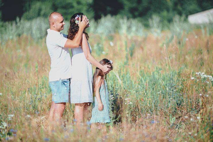 СЕМЕЙНАЯ ФОТОСЕССИЯ НА ПРИРОДЕ В ПОЛЕ ПИКНИК (НА ЛУЖАЙКЕ) (13) | Фотографы Y-Family