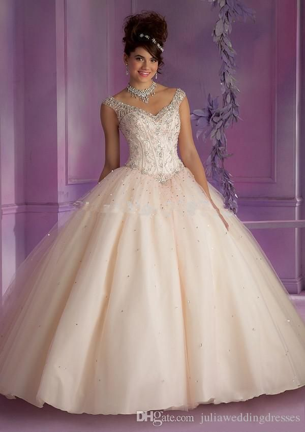 New Beautiful Open Back Bling Bling Ball Gown Quinceanera Dresses 2017 Beaded Sweet 16 Dresses For 15 Years Vestido De Debutante QC251 Quinceanera Dresses Quinceanera Dresses 2017 Quinceanera Gowns Online with $154.29/Piece on Juliaweddingdresses's Store   DHgate.com