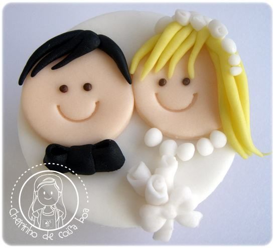 wedding cupcake- Extra large cupcake for 1st anniversary #cupcake #extralargecupcakeforfirstanniversary #weddinganniversarycupcake