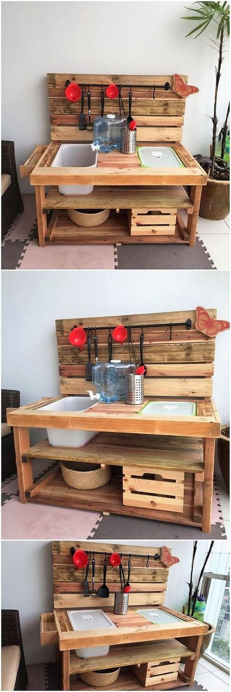 There are wide range of attractive and unique kitchen sets for the house decoration, in which this unique kitchen furniture set of wood pallet is ideal one for you. Light brown shaded hue of the pallet working has been done within it.