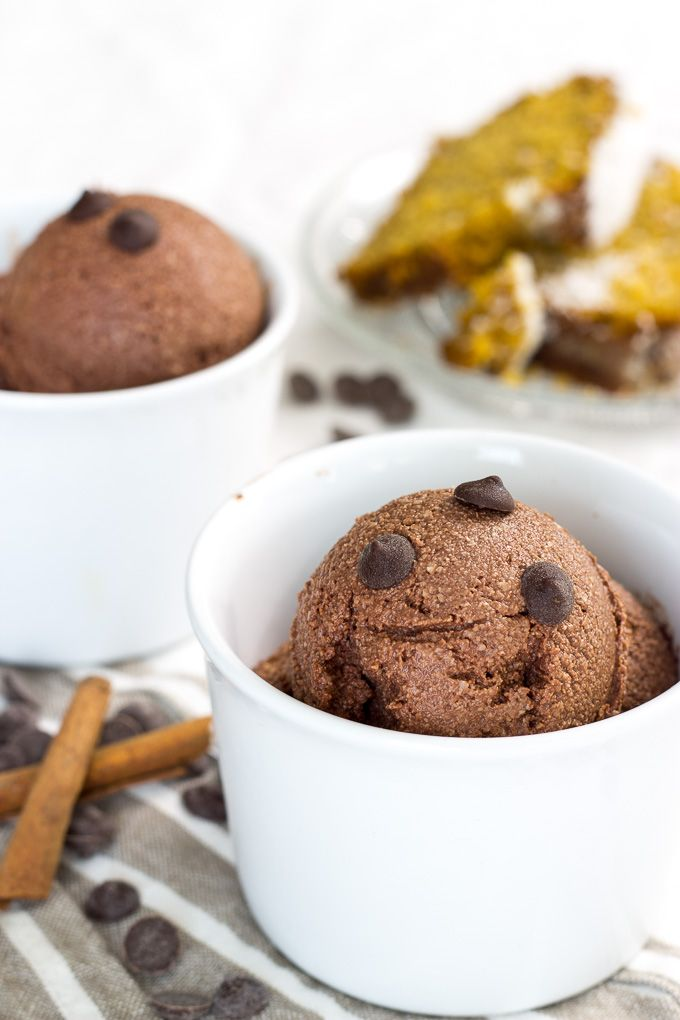 Esta receta de helado vegano no os dejará indiferentes. Se hace con anacardos triturados y su sabor es muy exótico gracias a la mezcla de especias chai. Vegan Desserts, Vegan Recipes, Healthy Life, Healthy Food, Chai, Cereal, Muffin, Ice Cream, Sweets