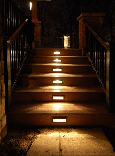 Lights in deck steps - love this for deck project.