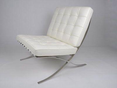 Barce Chair wit / white   Materiaal: Italiaans leren kussens met RVS onderstel Afmetingen: zd 0.50 x zh 0.53 x zbr. 0.78, totale hoogte is 80cm