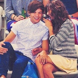 Lou & El. Their presh <3