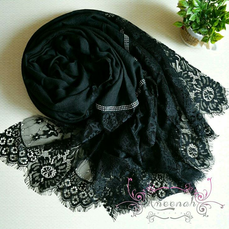 🍄Magdalena Lace Scarf (Black) 🍄Material : Polyester+lace Exclusive Import 🍄Ukuran : 190x90 cm 🍄IDR 150.000  For order Line@ameenah_hijab BBM 598B233D Shipping : Bandung