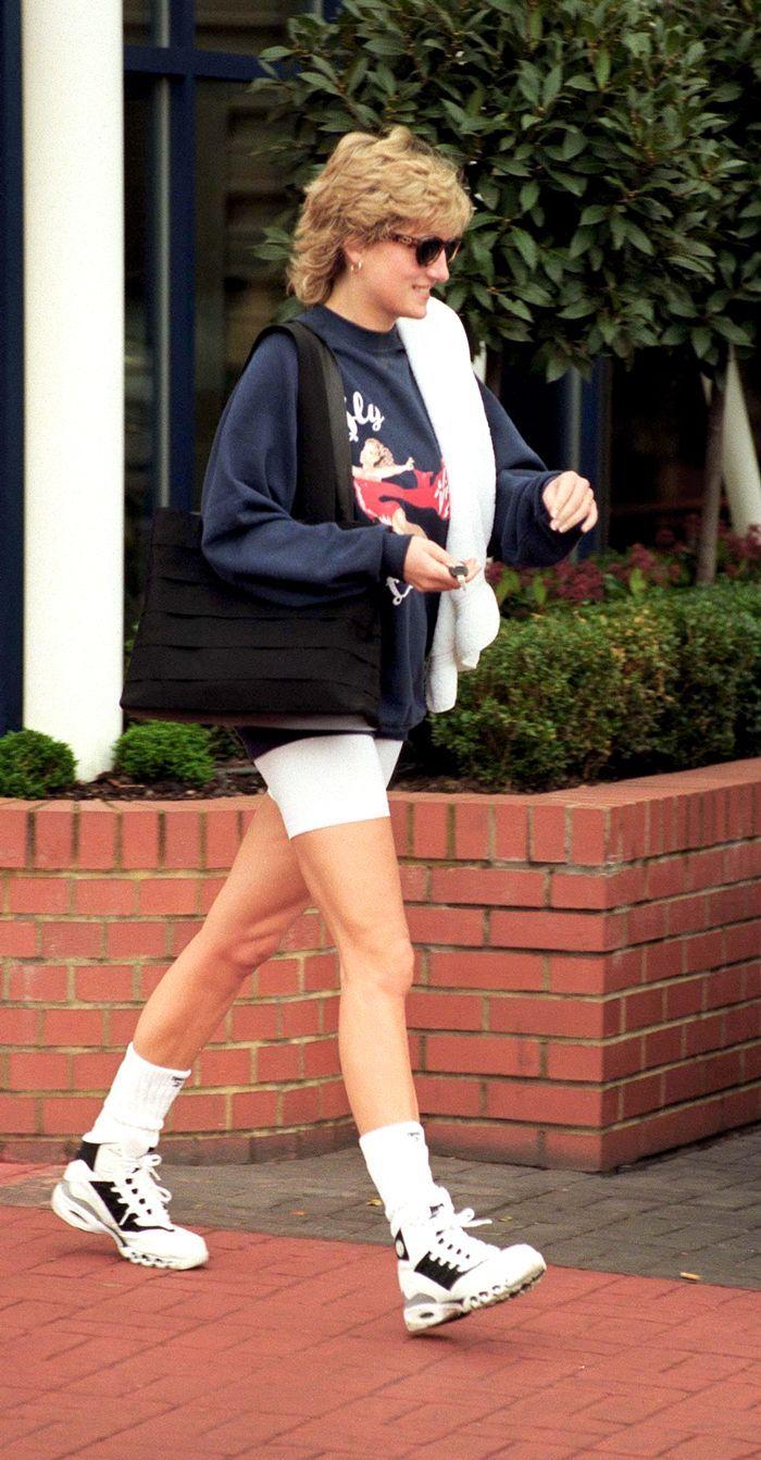 7d4e22d291e7e4 5 Outfits That Prove It Girls in the '80s Wore Bike Shorts Better in ...