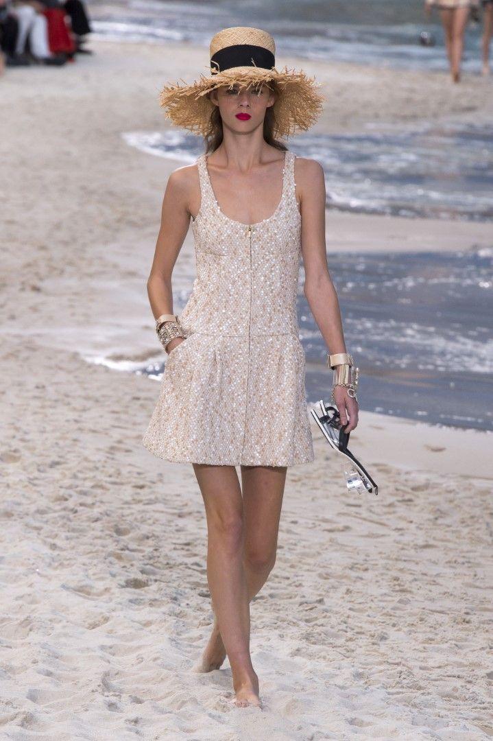 40c08dedbe Chanel Spring Summer 2019 RTW Beach Runway Collection