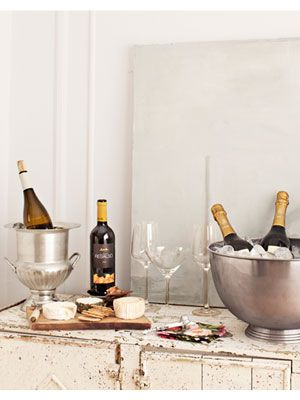 Sommelier/wine expert Shelley Lindgren suggest buying wine in bulk when shopping for a party. This way, you'll always have an extra bottle on hand. #newyearseve #parties: Wine Bars, Ideas Collections, Cocktails Bar Ideas, Parties Picnic Summer, Parties Summer Picnic, Newyearseve Parties, Parties Party Ideas, Home Bars