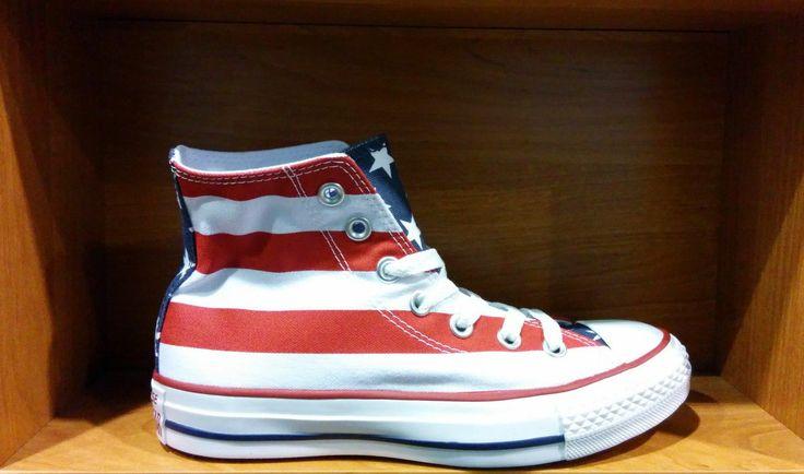 Кеды Converse USA с расцветкой Американского флага (M8437). Цена: 3200 рублей. Доставка по России. #Converse #Обувь #Женская_мода
