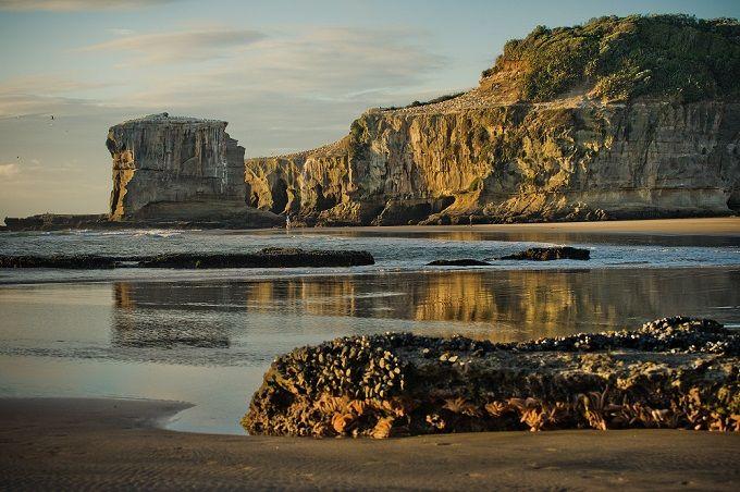 Las 7 playas negras más espectaculares del Mundo | Skyscanner
