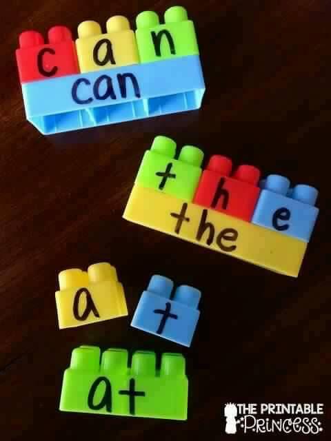 Sight word practice with Mega Blocks / Duplo / Legos. From www.theprintableprincess.com