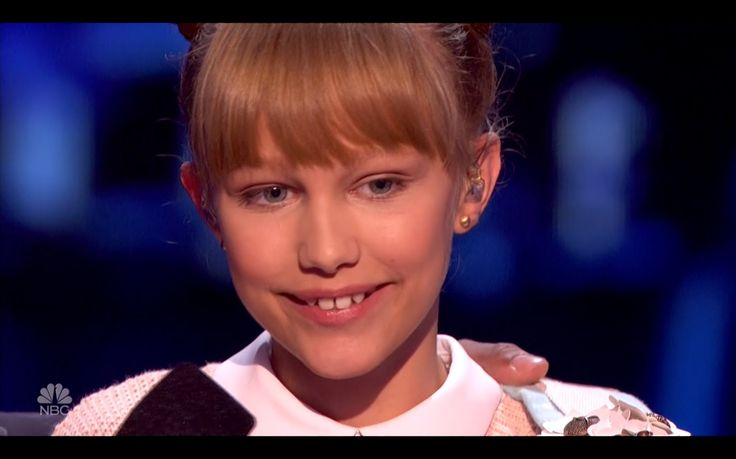 Grace VanderWaal - Light The Sky - Semifinals - America's Got Talent - A...She wrote the music and plays the ukuleleand she is 12 years old.