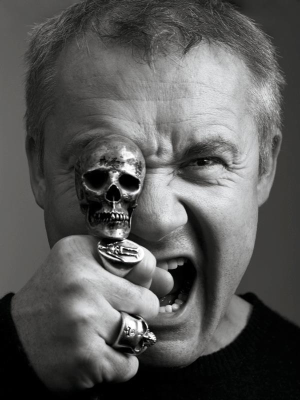 amazing Damien Hirst... now we move on to skull boy.
