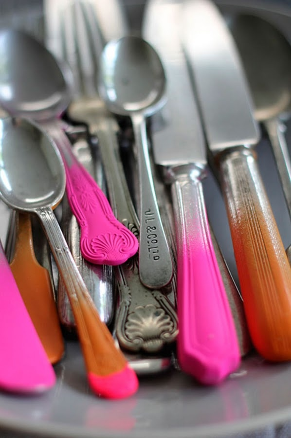love these!Sprays Painting, Old Silverware, Neon, Colors, Thrift Stores, Hot Pink, Cool Ideas, Cutlery, Diy