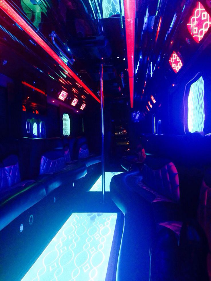 @NYCPartyBusPros: New Yorkers, turnt up! How are you spending your Friday night? How about being on a party bus? #nycpartybus #partybus #party #nyc #nightlife