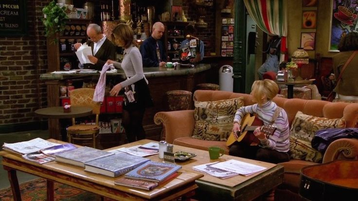 Beauty and the Mist - everything about beauty: The Central Perk Couch on 'Friends' Was Always Unoccupied For a Reason You Never Noticed — PHOTOS