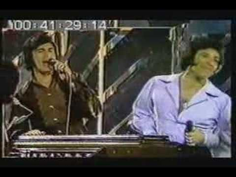 Thanks, previous pinner, for this: Engelbert Humperdinck & Tom Jones sing TOGETHER!! Rare! (with Billy Preston!)
