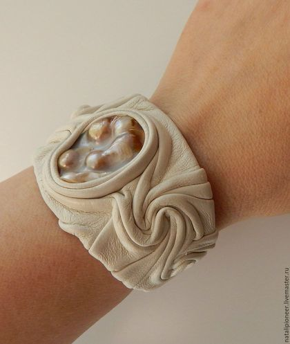 где купить crea concept дизайнерские украшения на шею кожа каучук