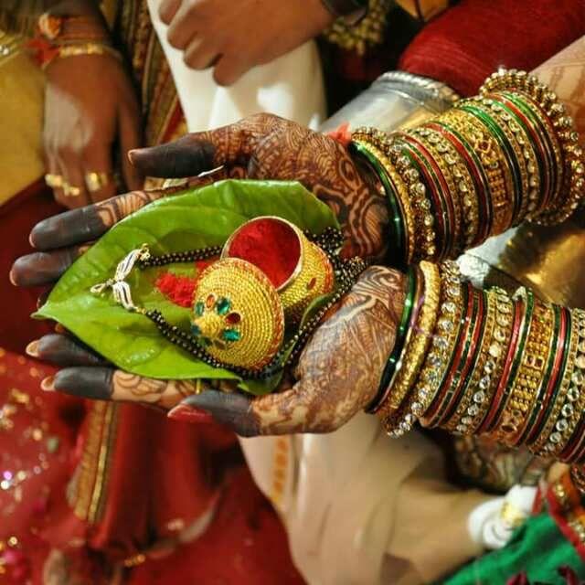 Gujarati Wedding.. SINDOOR & MANGALSUTRA..