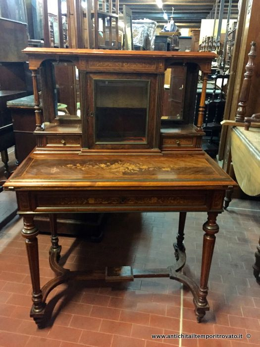 Oltre 25 fantastiche idee su scrivania antica su pinterest for Piccoli mobili antichi