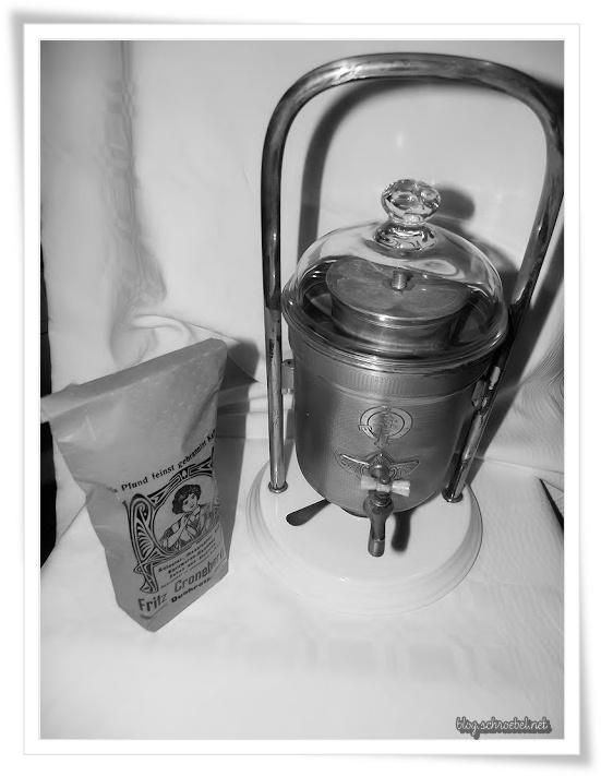 Wiener Kaffeemaschine   KuK Hoflieferant, um 1900