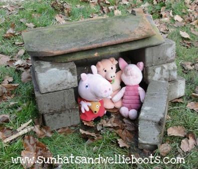 Acting out the three little pigs-some great literary ideas on this site-Sun hats and wellie boots.