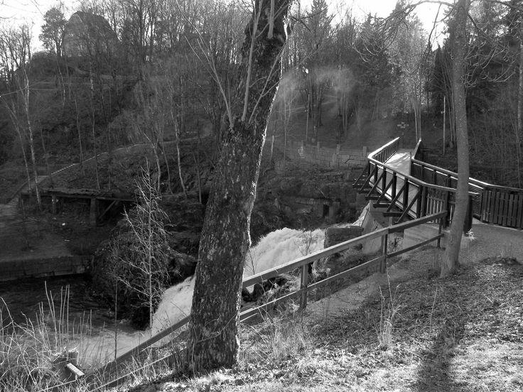 A bridge and a waterfall near Lilleaker