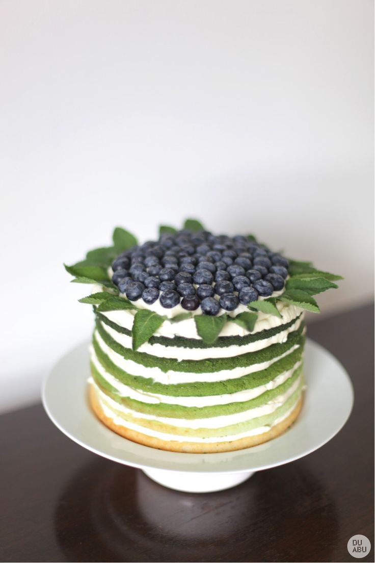 Blueberry ombre layered cake