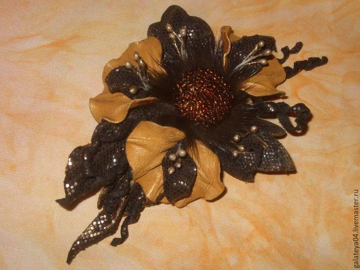 """Купить Брошь-цветок из натуральной кожи """"Романтический вечер"""" - коричневый, купить брошь цветок"""
