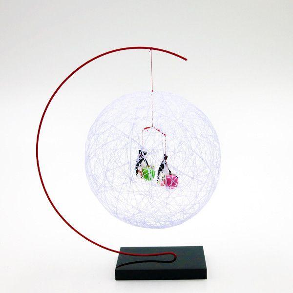 """日本絹手毬 - 紫滕色 / Japanese Swaying Ball - Purple  Feel the peaceful mind when you looking at this swaying ball.  Hand-crafted with silk and washi paper. 望著隨風搖曳的 """"絹手毬"""",便感到閒適的氣氛。  由絹布與和紙以人手製作。  #madeinjapan"""