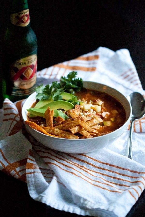 Zuppa di pollo con tortilla or Chicken Tortilla Soup in the crockpot.  Looks yummy.  Serves 6-8