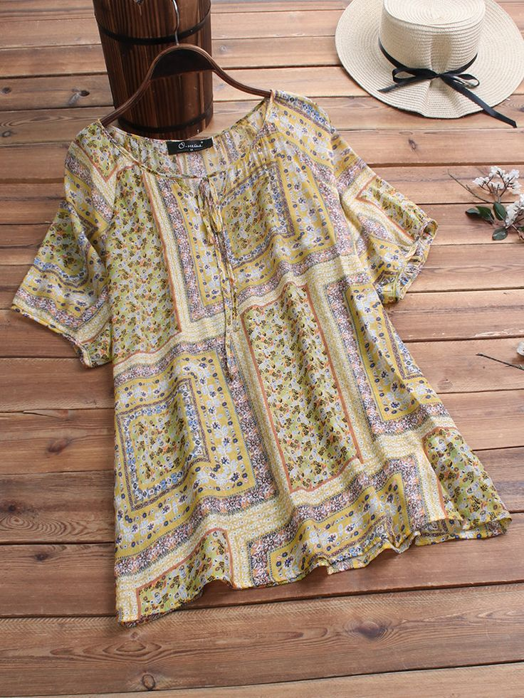 Vintage Print Knot Crew Neck Short Sleeve Plus Size Blouse 2
